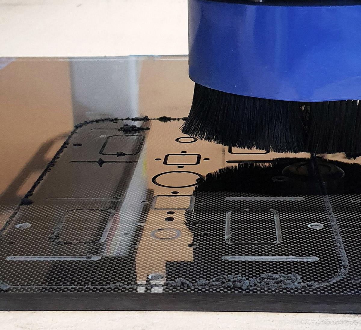 Cięcie & frezowanie płyt z włókna węglowego na CNC